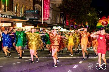 2016 SYDNEY GAY ET LESBIENNE MARDI GRAS REND LE SPARKLE RETOUR À SYDNEY
